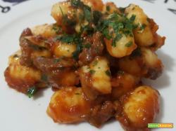 Gnocchi di patate al sugo di funghi