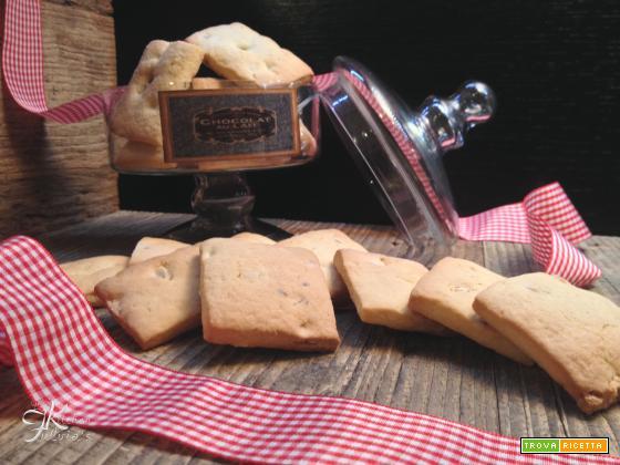 Biscotti inzupposi alle nocciole