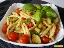 Trofie fresche con zucchine e pomodorini