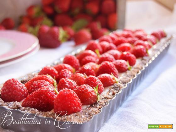 Crostata ai frutti rossi e chantilly agli agrumi