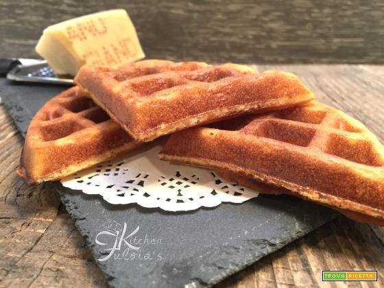 Waffle salati al parmigiano reggiano