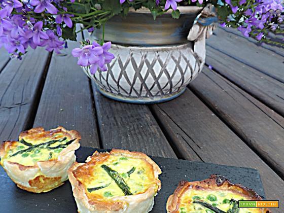 Cestini con formaggio cremoso asparagi e piselli