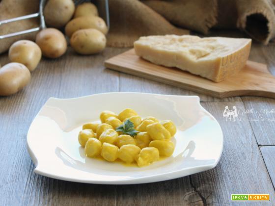 Gnocchi di patate in salsa di zafferano e parmigiano