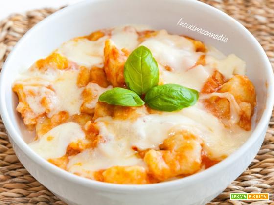 Gnocchi con mozzarella e scamorza affumicata
