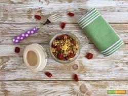 Insalata di farro, asparagi, olive e pomodori secchi
