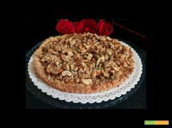 Crostata  sbriciolata con frutta secca caramellata