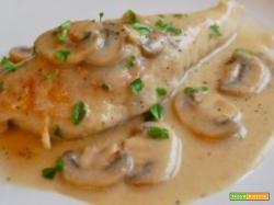 Filetto di Pollo con patate e funghi Champignons