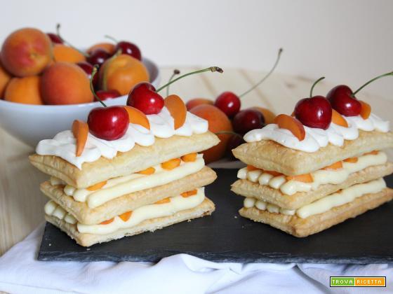 Millefoglie con crema pasticcera e frutta estiva