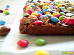 Tavoletta di cioccolato golosa e allegra