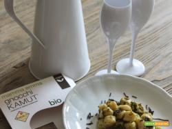 Gnocchi kamut Mamma Emma con arame aromatizzata e crema di crescione – la mistery box vegan di Mamma Emma