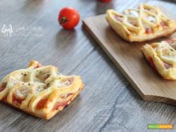 Crostatine di sfoglia alla pizzaiola