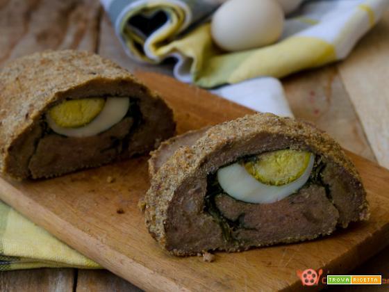 Polpettone ripieno con uova sode e verdura