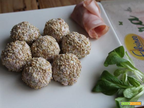 Tartufini di mortadella con ricotta ed olive