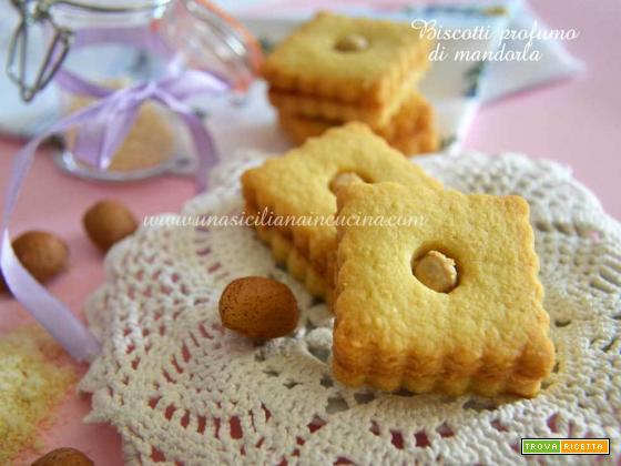 Biscotti al profumo di mandorla