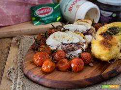 Petto di pollo farcito con capperi, prosciutto cotto e radicchio rosso con pomodorini confit