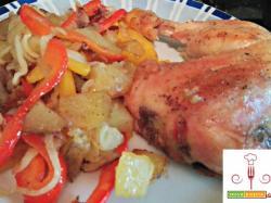 Cosciotto di pollo al forno con verdure