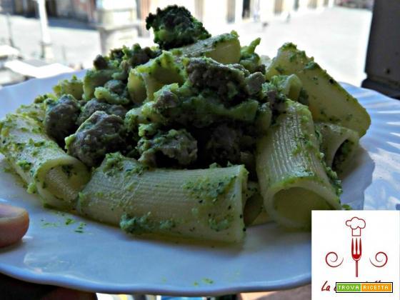 Paccheri con crema di broccoli e salsiccia