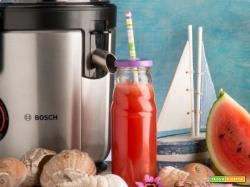 Ricetta veloce per preparare un bel bicchiere di centrifugato di anguria e acqua di rose