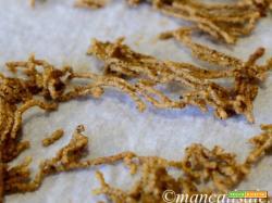 Cjarsons con ripieno alla padovana, su crema al Piave e croccante di polenta aromatizzata al caffè
