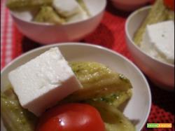 Pasta fredda pesto pomodorini e feta