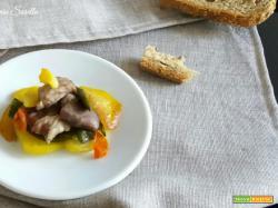 Spezzatino con patate e friggitelli – ricetta secondo di carne veloce