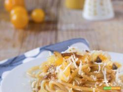 Spaghetto con alici e datterini gialli
