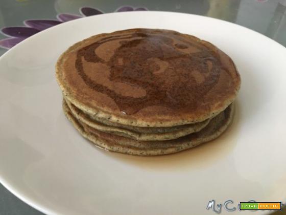 """I pancake di """"Hulk"""", ovvero con farina di canapa, impastati con il CuCo Moulinex"""