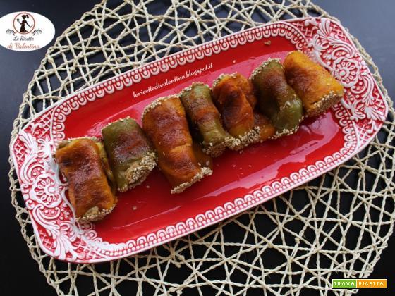 Cannoli di peperoni (arrostiti con la friggitrice ad aria) ripieni di crema di lenticchie