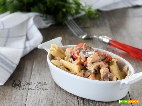 Pasta cremosa con Salmone fresco e funghi