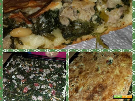 PIZZA CON SCAROLE E SALSICCIA E PINOLI