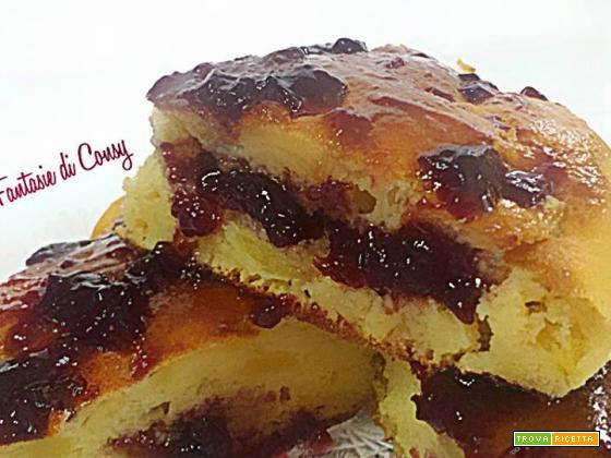 Torta delizia con mele e amarene