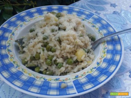 Risotto primavera: piselli zucchine e patate