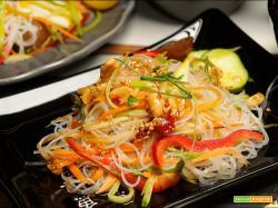 Insalata piccante di noodles