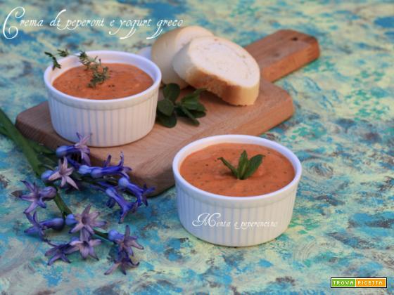 Crema di peperoni e yogurt greco
