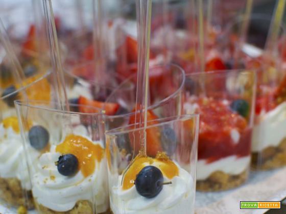 Showcooking Scavolini Store Torre del Greco: Mousse allo yogurt greco con crumble croccante e coulisse di frutta fresca