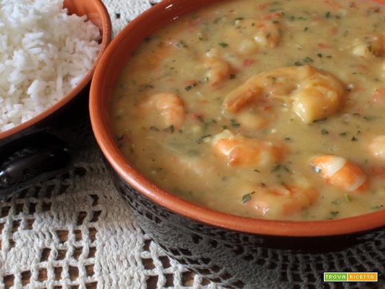 Gamberi in salsa di manioca (Bobó de camarão)