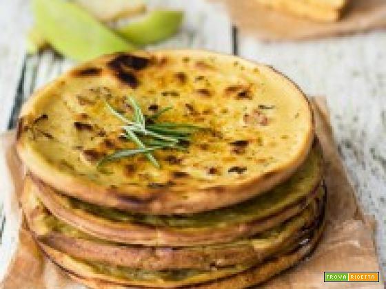 Pancakes salati di ceci e mela al profumo di rosmarino