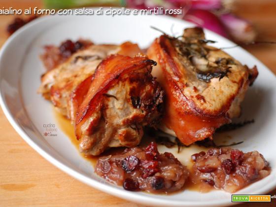 Maialino al forno con salsa di cipolle rosse e cranberries