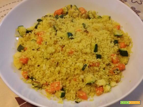 Cous cous zucchine, carote e curcuma