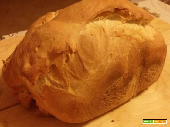 Pane di semola di grano duro nella macchina del pane con preparato Molino Rossetto