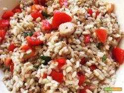Tris di cereali con tonno e pomodorini