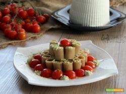 Pasta fredda con mousse di ricotta e pistacchio