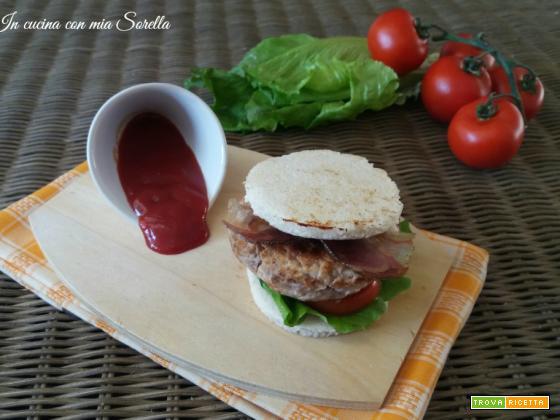Hamburger al prosciutto crudo croccante