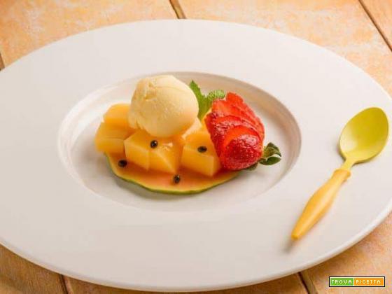 Tartelletta di papaya con gelee di mango e gelato al frutto della passione: un concentrato di benefici