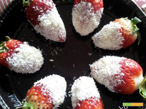 Fragole cioccolato bianco e cocco.