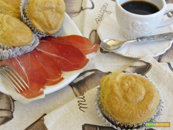 Muffin al Parmigiano Reggiano con prosciutto