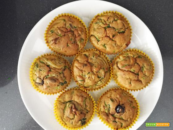 Muffin salati zucchine, pomodori secchi e olive taggiasche
