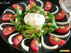 Insalata tricolore estiva – ricetta piatto unico veloce
