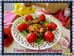 Straccetti di petto di pollo con rucola e pomodorini