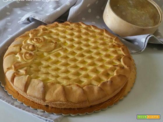 Crostata con marmellata e crema
